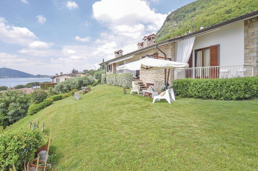 Villa in Italy, Sarnico