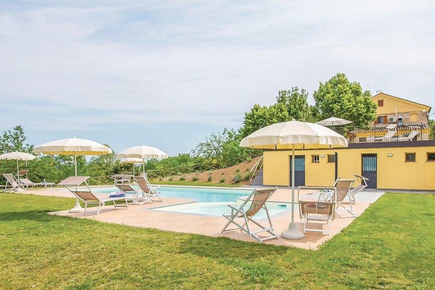 Villa in Italy, Fermo
