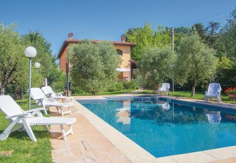8 bedroom Villa for rent in Arezzo