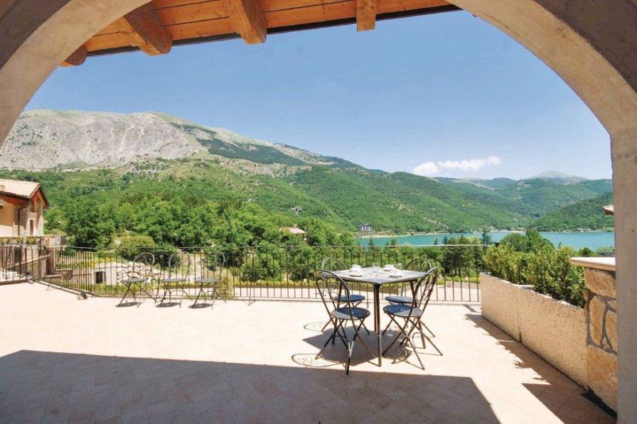 Villa in Italy, Villalago