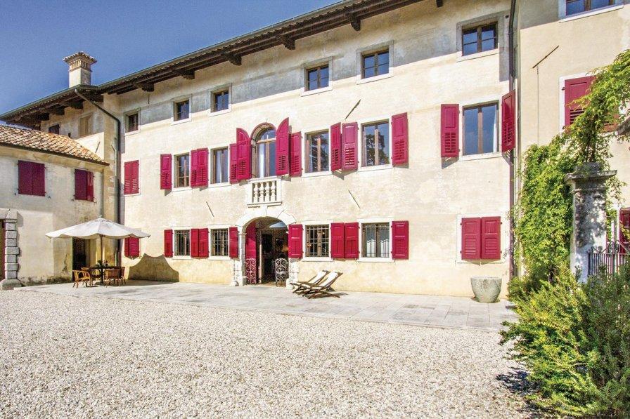 Villa in Italy, Mereto di Capitolo