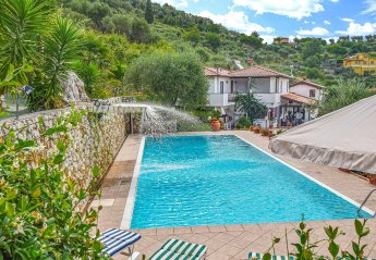 6 bedroom Villa for rent in Camaiore