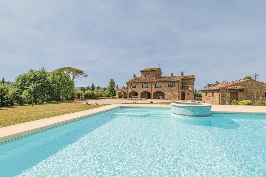 Villa in Italy, Lucignano