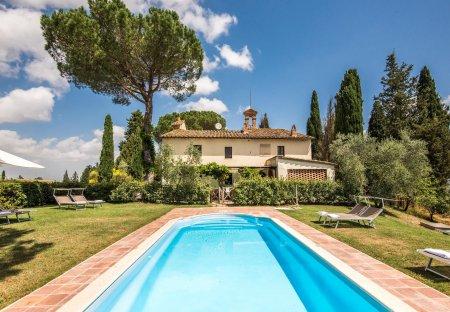 Villa in Monteroni d'Arbia, Italy