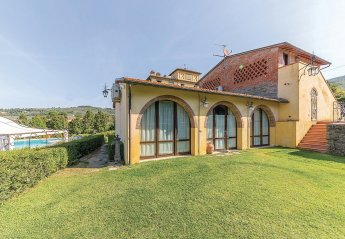 2 bedroom Villa for rent in Arezzo