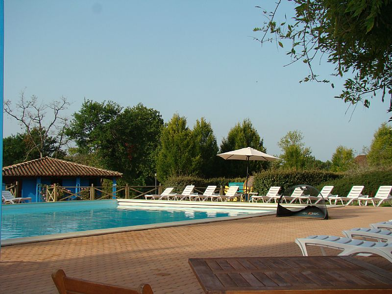 House in France, Brossac: Pool reserved for guests of Les Pinèdes