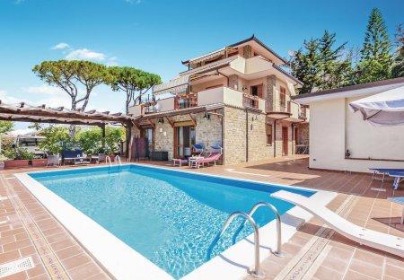 Apartment in Santa Maria di Castellabate, Italy