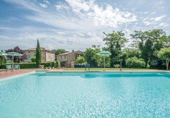 2 bedroom Apartment for rent in Casole d'Elsa