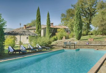 9 bedroom Villa for rent in Bucine