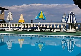 ANDROMACHES HOLIDAY APARTMENTS ***