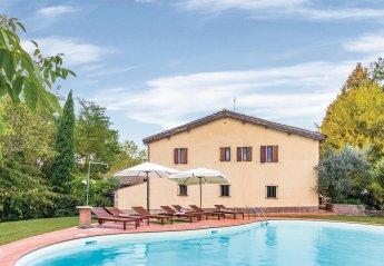 6 bedroom Villa for rent in Monteriggioni