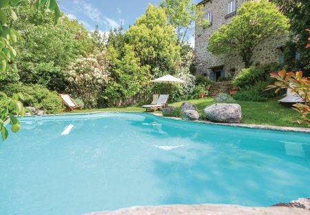 Villa in Castel San Vincenzo, Italy
