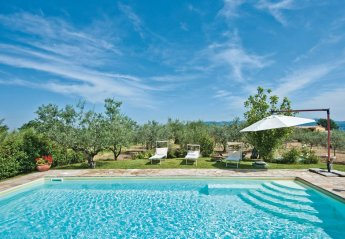 4 bedroom Villa for rent in Collazzone