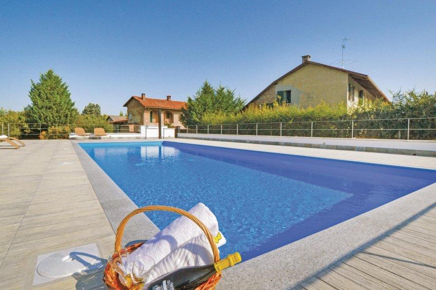 Villa in Italy, Brozolo