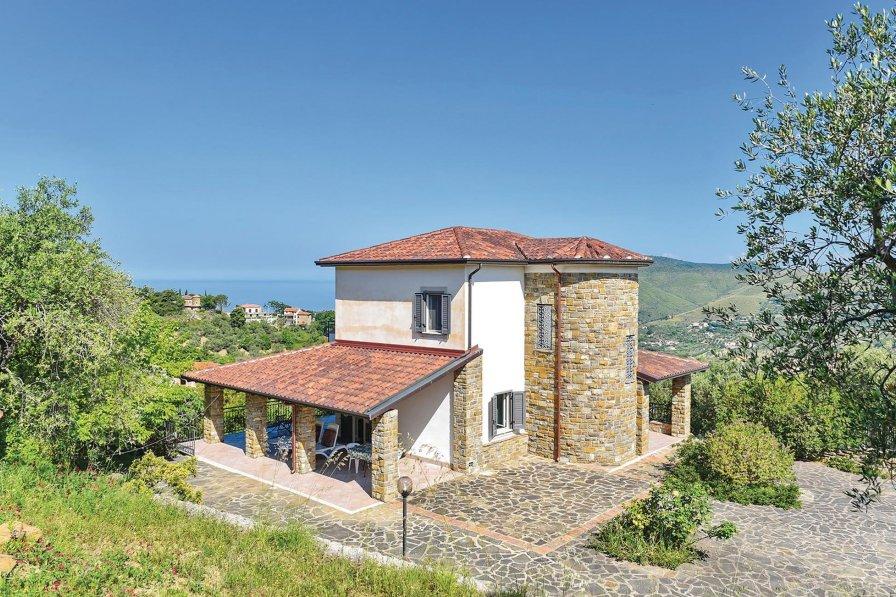 Villa in Italy, Località Paradiso