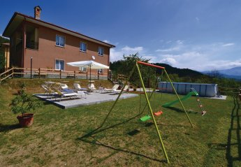 6 bedroom Villa for rent in Varese Ligure