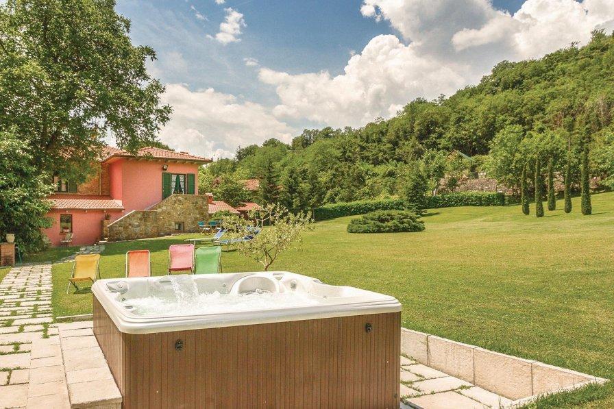 Villa in Italy, Bibbiena