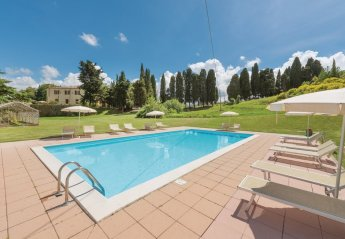 10 bedroom Villa for rent in Chianni