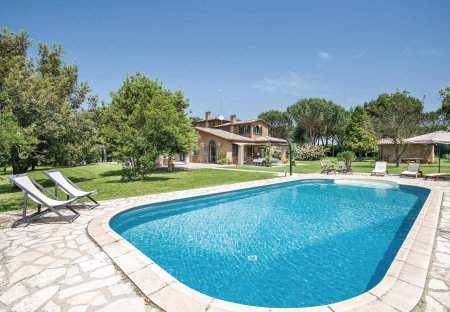 Villa in Capranica, Italy