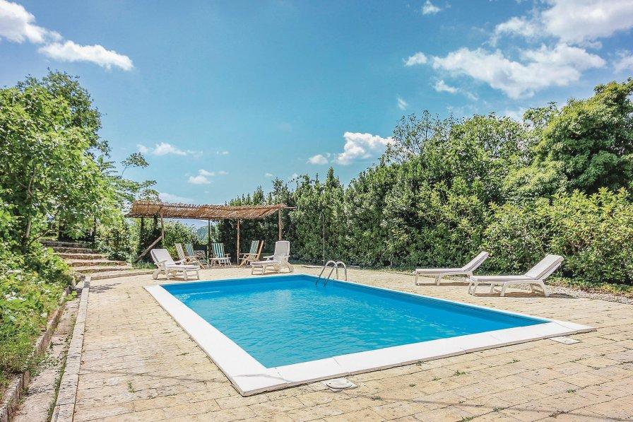 Villa in Italy, Pratella