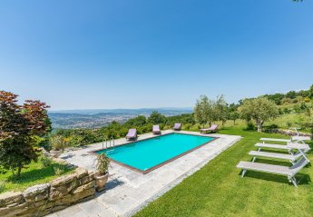 4 bedroom Villa for rent in Arezzo