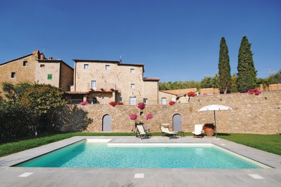 Villa in Italy, Le Corchie