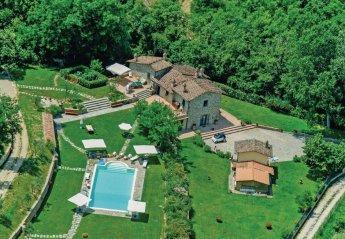 6 bedroom Villa for rent in Arezzo