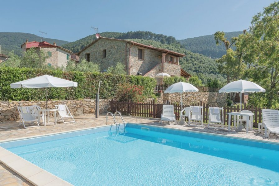 Apartment in Italy, Buti