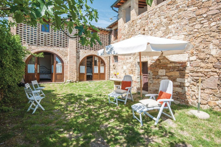 Apartment in Italy, San Quirico d'Orcia