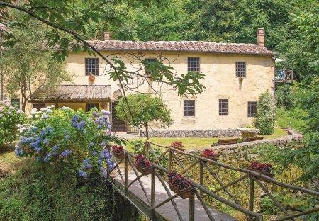 Villa in Marliana, Italy