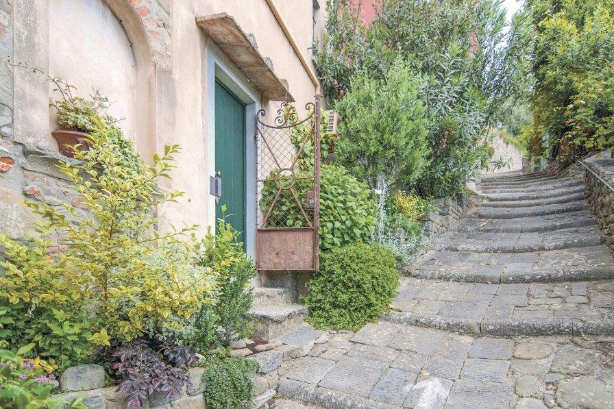 Villa in Italy, Massa e Cozzile