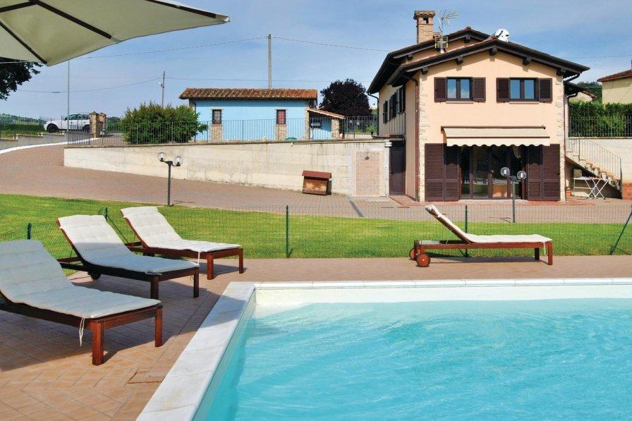 Villa in Italy, Piandana