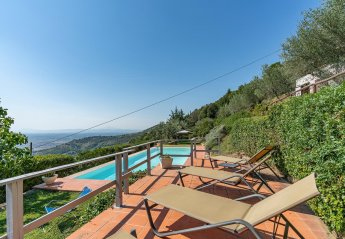 7 bedroom Villa for rent in Cortona