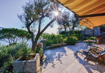 1 bedroom Villa for rent in Recco