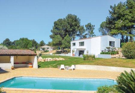 Villa in Golf-Embus-Enco de Botte-Bellons, the South of France