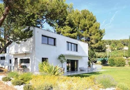 Villa in Golf-Embus-Enco de Botte-Bellons, the South of France