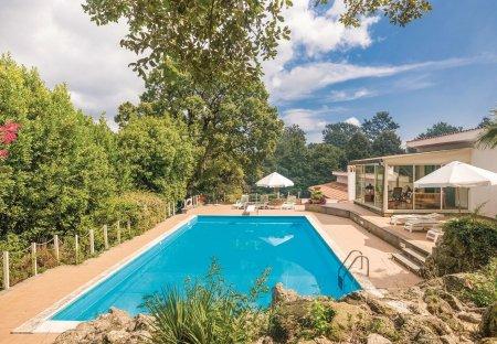 Villa in Montevirginio, Italy