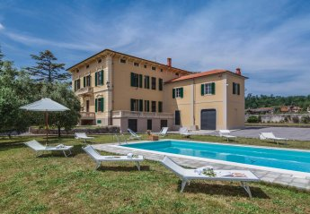 6 bedroom Villa for rent in Lucca