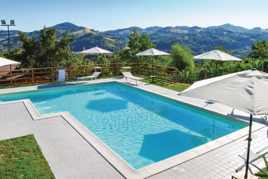 Villa in Italy, Urbania