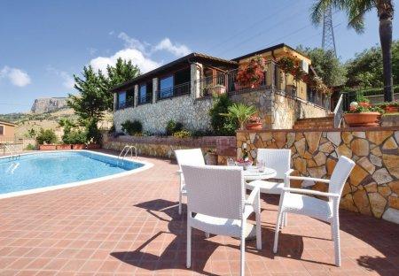 Villa in Casteldaccia, Sicily
