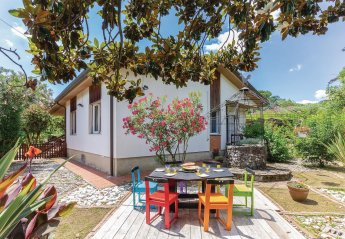 2 bedroom Villa for rent in Massa