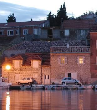 Villa in Croatia, Milna: Front of house
