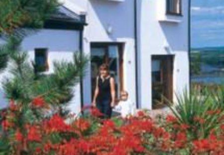 Villa in Youghal-Lands, Ireland: Carleton Village