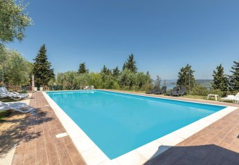 8 bedroom Villa for rent in Magione