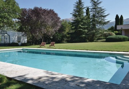 Villa in Isernia, Italy