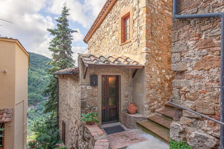 Villa in Italy, Sassa