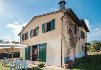 5 bedroom Villa for rent in Cetona