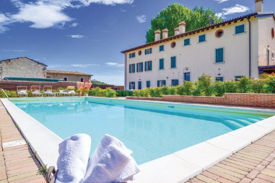 Apartment in Italy, Cavaion Veronese