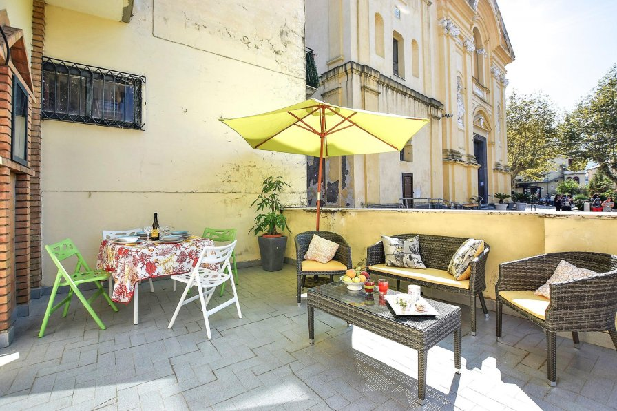 Apartment in Italy, Piazza Roma
