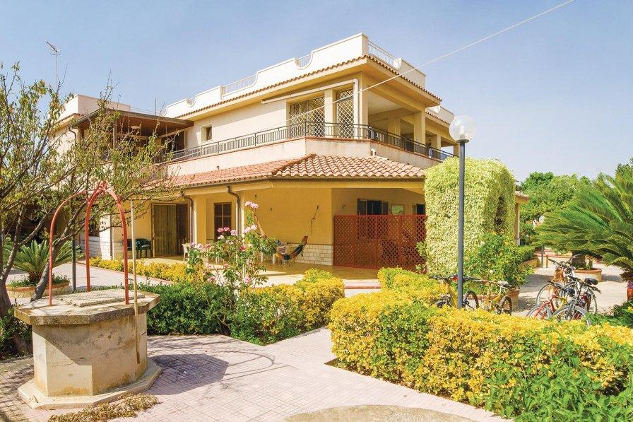 Apartment in Italy, Contrada Fiori Sud